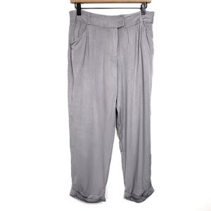 ●Darling Gray Cuffed Crop Pants
